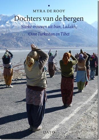 Dochters van de bergen -Myra de Rooij